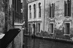 architectural forms and structures, canal, Venice, Italy, Nikon D40, Sigma 18-50mm EX DC MACRO, 10.22.16 (steve aimone) Tags: architecture architecturalforms rhythms canal venice italy nikond40 sigma1850mmexdcmacro monochrome monochromatic blackandwhite windows waterway