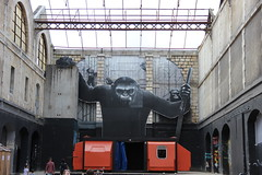 Prts pour l'invasion ? (Mademoiselle N) Tags: streetart graf friche art singe monkey movie invasion scify