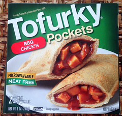20150306 Vegan Tofurky Pockets - BBQ Chick'n :) | Sweden (ratexla) Tags: vegan veganfood vegetarian veg food cooking cuisine omnomnom good tasty 2015 6mar2015 europe scandinavia whatveganseat whatdoveganseat earth tellus veganmat vegansk mat matlagning foodie foodporn matporr veganska photophotospicturepicturesimageimagesfotofotonbildbilder nom sweden sverige gteborg goteborg gothenburg vegetariska europaeuropean veganmeat fakemeat iphone iphone5 hotpockets veganhotpockets fakechicken lyckling vegankyckling chicken kyckling meatfree tofurky tofurkypockets lunch dinner dindin