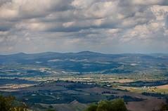 Verso Stribugliano (Nechator) Tags: stribugliano arcidosso grosseto hdr panorama paesaggio campagna nuvole nechator toscana verde nikond90 landscape green sky italia italy