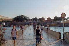 Le City Bridge qui relie la ville  la pninsule du centre historique (ichael C.) Tags: vacances holidays croatia croatie zadar city ville tourisme visite sight le bridge qui relie la  pninsule du centre historique