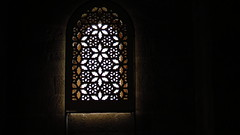 IMG_7788 - merletto d'arabia (molovate) Tags: lazisa palermo tafme interno finestra window merletto molovate trasparenza arabia sicilia canon powershot sx40 hs