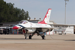 United States Air Force Thunderbird 3 (jbp274) Tags: sli ksli losalamitos wingswheelsandrotors display usaf unitedstatesairforce generaldynamics f16 falcon fightingfalcon thunderbirds military airport airplanes