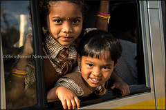 Car.   Mudumalai (Claire Pismont) Tags: inde india indedusud indian kid child children car window pismont clairepismont documentory travel travelphotography asia asie mudumalai tamilnadu
