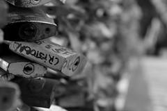 candados (Rivilloro31) Tags: candados puente profundidad
