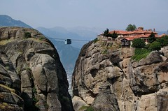 stuck between heaven and ... (Moni Agia Triada) (gled_ros) Tags: greece greecemainland griechenland felsen architecture meteora monastery schlucht kloster
