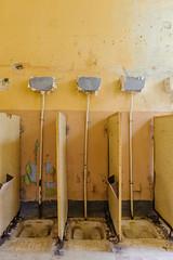 20140914-FD-flickr-0051.jpg (esbol) Tags: toilette toilet bathroom kloset keramik ceramics pissoir kloschssel urinals bad badewanne sink waschbecken bathtub dusche shower