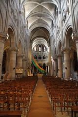 Une nef aérienne (Chemose) Tags: france building church nef roman burgundy interior nave romanesque bourgogne église macon intérieur saintpeter saintpierre mâcon mâconnais