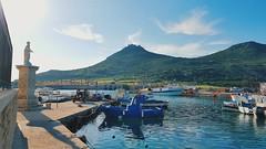 Autunno siciliano @ Favignana (giovaaa!) Tags: mountain island sunny sicily sicilia sunnyday favignana egadi isoleegadi vsco aegusa samsungs6