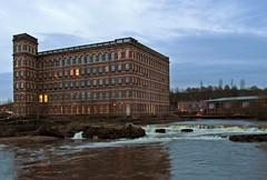 Hamill (Bricheno) Tags: mill river scotland waterfall escocia cart coats paisley szkocja schottland whitecart scozia renfrewshire cosse whitecartwater hamills  esccia hammills anchormill  hammils  bricheno scoia