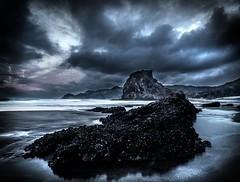 Piha, West Coast, Auckland, New Zealand, Oct 2016 (bishop.mark95) Tags: piha westcoast auckland newzealand clouds sunrise sea ocean