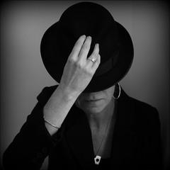 Huvudbonad/headpiece (*Kicki*) Tags: fs161106 huvudbonad hat woman sweden fotosondag square portrait person 50mm self selfportrait headpiece
