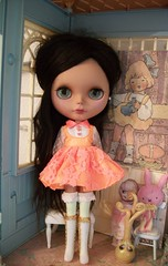 Such a gorgeous color on her! (simplychictiques) Tags: blythe ooakcustomblythedoll blytheroxy tanskinblythe pattyparisblackreroot pinkpalace pretty vintagedollboots neon childlike anniedollzdress gbabydolls gbabycustom riesling