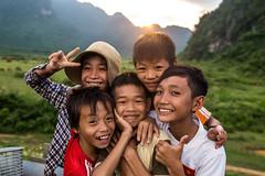 Before Sunset (sascha-laessig-fotografie.de) Tags: kids children kinder asien asia boys vietnam smile lcheln phong nha sunset sonnenuntergang berge mountains