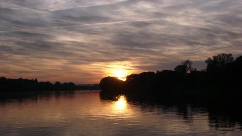 Oissel Soleil couchant sur la Seine
