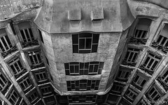 _M167195-Modifier (Smelphie) Tags: architecture barcelone casamil gaudi lapedrera