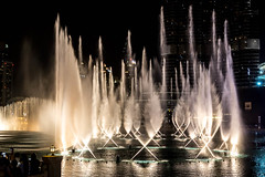 The Dubai Fountain (lemien) Tags: dubai fountain uae unitedarabemirates ae