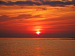 Puesta de sol (Antonio Chacon) Tags: andalucia atardecer marbella mlaga mar mediterrneo costadelsol espaa spain sunset