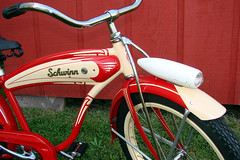 C08512 (centerprairie) Tags: red 1948 bicycle stand tank balloon ivory tire chrome spitfire brake pedals handlebar horn schwinn coaster juvenile rods 1949 saddle dx truss grips bendix 20