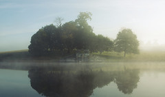 The Boathouse at Petworth House Park (Simon Verrall) Tags: park morning mist lake reflection sussex westsussex september boathouse petworth 2015 upperpond petworthhouse