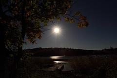 Moonlight_2015_09_26_0012 (FarmerJohnn) Tags: moon lake reflection water night canon suomi finland calm september silence midnight moonlight vesi kuu y laukaa jrvi keskinen syyskuu tyyni keskiy kuutamo valkola vedenpinta hiljaisuus septembermoon lakesurface canon7d heijatus anttospohja juhanianttonen ef1635l28iiusm