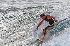 Cut Glass (Zeta_Ori) Tags: surf waves surfer sigma maui surfing napili sigmalens holeinthehead napilipoint nikond90 honokeanabay sigma150500mm