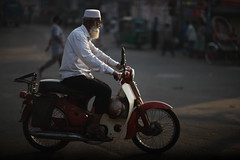When the LIGHT hits your beard (N A Y E E M) Tags: street morning light honda cub raw roundabout oldman super motorbike moped today untouched bangladesh carwindow unedited c70 chittagong c50 explored sooc norahmedroad kazirdewri