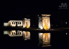 Templo de Debod, Madrid 2 (reflejos) (J.M. Alvarado) Tags: madrid arquitectura edificio ciudad ruinas reflejo nocturna egipto alvarado templodedebod nilo egipcio asuan antigedad geroglificos ptolomeo