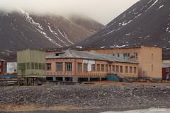 svalbard ottobre 2016-1560 (Fotografere e Viaggiare) Tags: norvegia svalbardnorwaytraveloutdooriceseaviaggionorvegiaautunno ghiaccio gosthtown pyramiden svalbard svalbardejanmayen sj