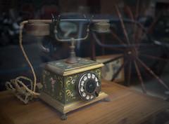 Phone in Rome (Robert Barone) Tags: sanlorenzo phone antique commute