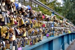 Pont D'amour/The Bridge of Lurve. (sidibousaid60) Tags: bridge bakewell derbyshire uk peakdistrict padlocks lovelocks
