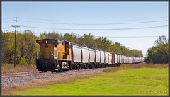UP 6774 with grain train (Schnitzel_bank) Tags: wagoner oklahoma vereinigtestaaten usa unitedstates ge up ac44cw 6774 rail railroadphotography vlak spoorwegen railroad railway treno trein поезд unionpacific