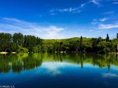 El reflejo (agutierrezs) Tags: blue espaa naturaleza verde azul digital spain agua reflejos iphone ringexcellence