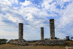 The Gallow Hill (kaffealskare) Tags: clouds sweden outdoor medieval naturereserve gotland visby gallows 13thcentury moln naturreservat gallow galgberget medeltiden avrättningsplats galgbacken