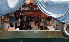 House - Boat (_MissMoneyPenny_) Tags: life travel house holiday port boats fisherman barche case hong kong porto aberdeen viaggio vacanze vita pescatori