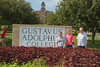 IMG_0264.jpg (Gustavus Adolphus College) Tags: old family sign student day main move oldmain movein firstyear moveinday 201204 20150904