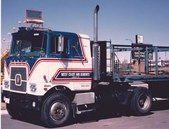 Hayes single-axle coe (PAcarhauler) Tags: tractor truck semi hayes mack coe cabover