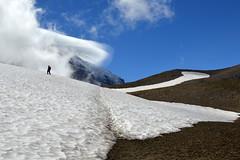 On Burroughs Mountain (Sotosoroto) Tags: dayhike hiking mtrainier burroughsmountain cascades washington mountains snow cloud