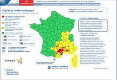 Vigilance rouge (Isaszas) Tags: europe southfrance sdfrankreich zuidfrankrijk midi mditerrane hrault montpelliermtropole mtorologie crues vigilance inondations pluies floodings bertrmungen overvloed rains regen cartedesrisques
