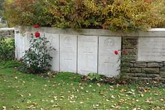 DSC01349 (Watsonette) Tags: peronne somme 1418 contemporaine watsonette thiepval soldats wwi