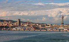 Barcelona (roland_lehnhardt) Tags: d80 kreuzfahrt nikon mittelmeer barcelona spanien spain hafen port sagrada famlia urlaub clouds wolken stadt city