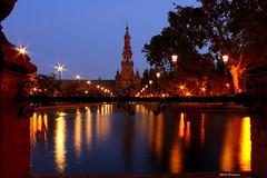 plaza de  Espaa (escotxe) Tags: sevilla espaa spain noche luz light escotxe