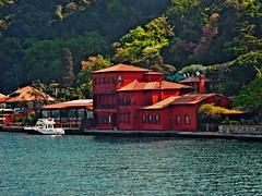 Bosporus (Sali_Boom) Tags: bosporus istanbul house red nature colors trip travel turkey
