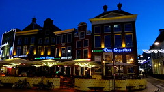GRONINGEN, THE NETHERLANDS (pwitterholt) Tags: groningen grotemarkt cafe bluehour blue holiday light gezellig colour colours colors cosy color kleur feestverlichting kerstsfeer verlichting sony sonyhx400 sonycybershot dedriegezusters