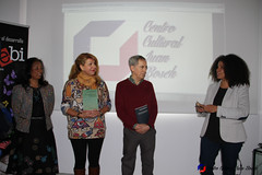 "Donación de libros de Juan Bosch al Centro Juvenil Chamberí (Madrid) • <a style=""font-size:0.8em;"" href=""http://www.flickr.com/photos/136092263@N07/31263761112/"" target=""_blank"">View on Flickr</a>"