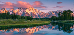 Schwabacher Landing - Grand Teton N.P - Wyoming (~ Floydian ~ ) Tags: henkmeijer floydian photography unitedstates wyoming jacksonhole schwabacherslanding schwabacher schwabachers landing np sunrise dawn morning mountain mountains grandteton nationalpark teton valley snakeriver american landscape landscapes canon canoneos1dsmarkiii wow