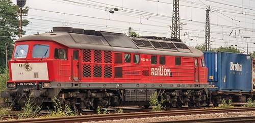 """12.09.2005 Oberhausen West. Stellwerk Maf """"Mathilde"""". DB RN 232 906 mit Container"""