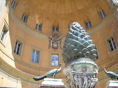 V museum 288 (alison.fisher85) Tags: italy sculpture vatican art dome 2007