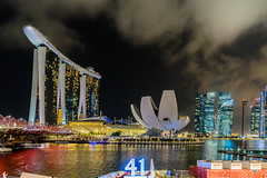 41, Marina Bay Sands, Art Science Museum and CBD (*Capture the Moment*) Tags: architecture clouds singapore nightshot cloudy wolken architektur singapur wetter wolkig marinabay 2015 nachtaufnahmen helixbridge sg50 artsciencemuseum