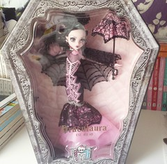 She's here! (moonwingscollector) Tags: monster high doll collector draculaura